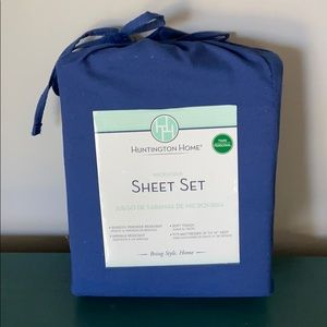 Microfiber navy blue twin sheet set w/ pillowcase